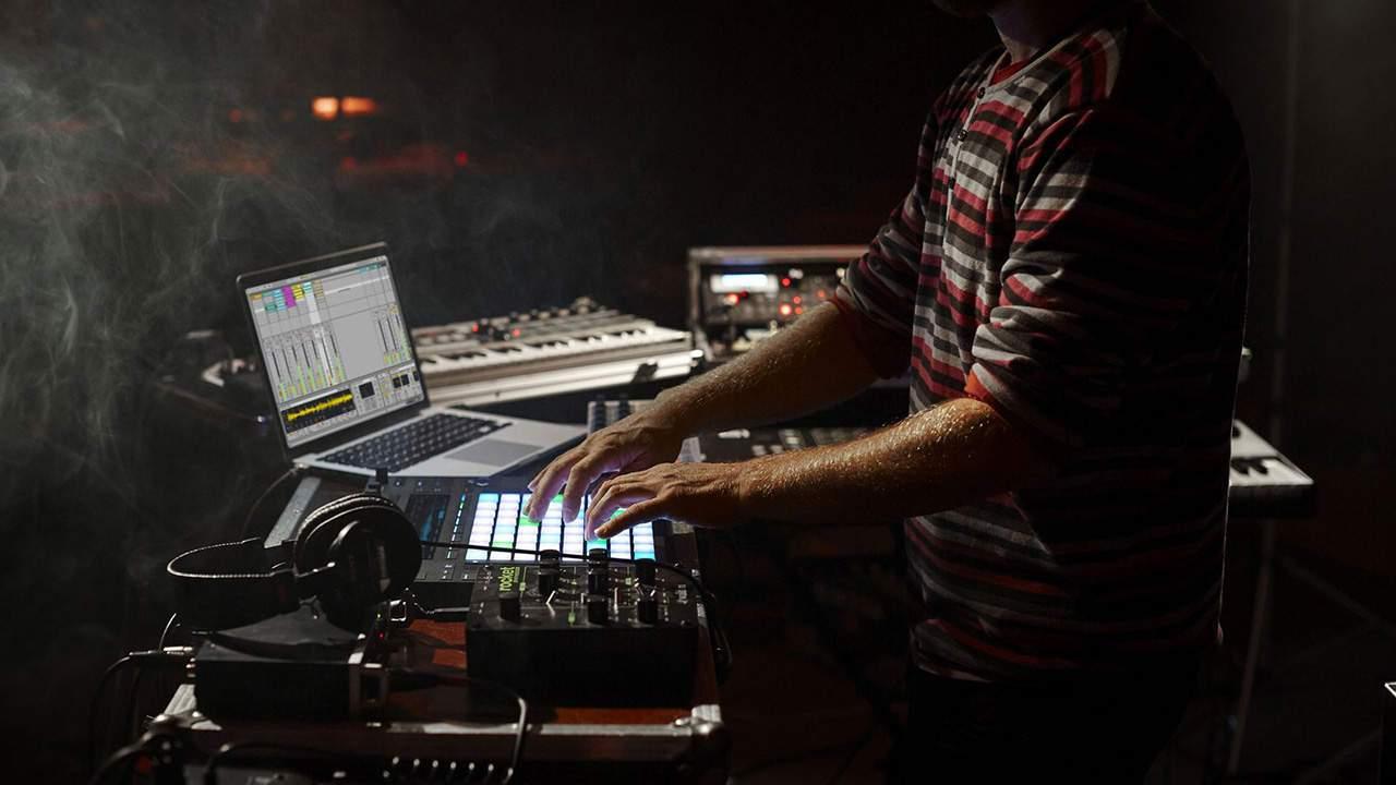escuela de música electrónica